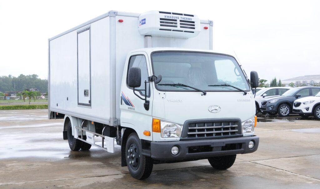 Thuê xe tải và vận chuyển hàng hóa